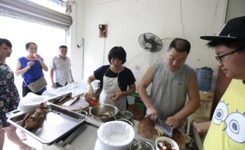 夫妻搭档创业创业方式:卤菜店